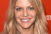 Kaitlin Olson Medium Layered Cut