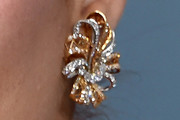 Debra Messing Dangling Diamond Earrings