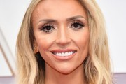Giuliana Rancic Medium Wavy Cut