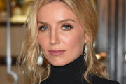 Annabelle Wallis Loose Ponytail
