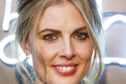 Donna Air Loose Ponytail
