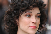 St. Vincent Short Curls