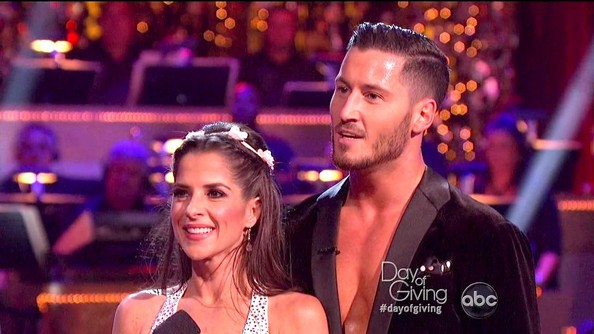 Is Val Dating Kelly On Dancing With The Stars