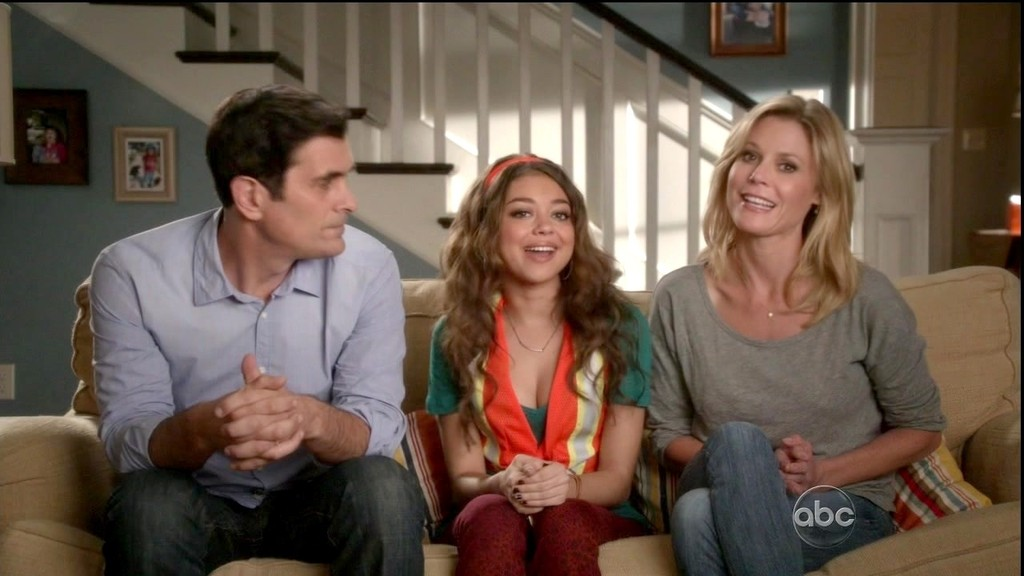 The modern family season 4 episode 11 7 game series playoffs modern family season 08 episode 13 is ready for streaming title do it yourself watch it now solutioingenieria Choice Image